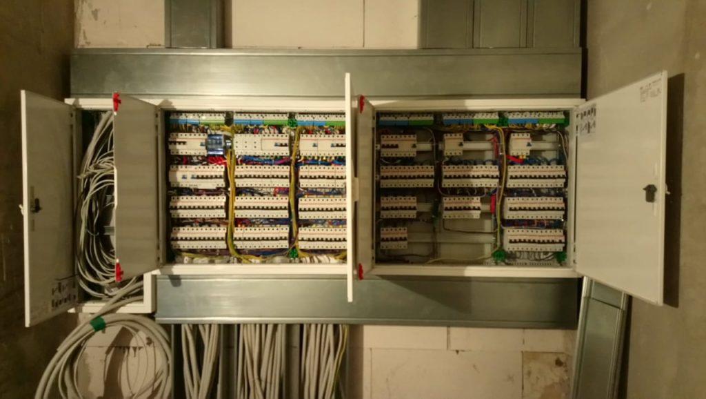 монтаж электрощита